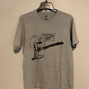 UniGlo Star Wars Tee with lightsaber in Gray Sz L